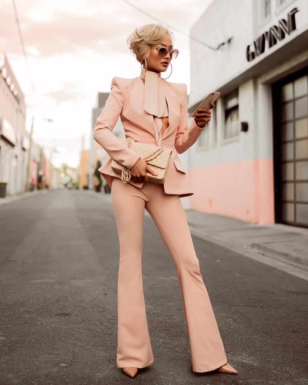 Как одеваться — если вы небольшого роста: 6 жизненных советов от Мики Джианелли