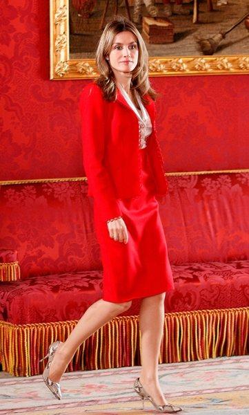 Цвет королевы: 20 самых ярких образов Летиции в красном
